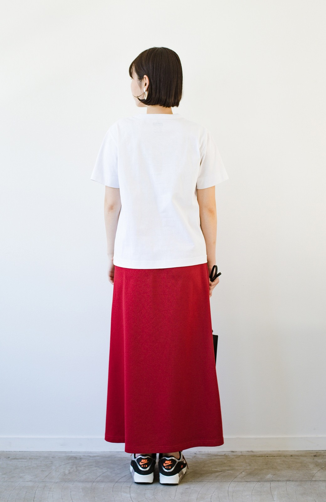 haco! さりげないロゴがコーデのポイントになるファンクションファブリックジャージークルーネックTシャツ by Healthknit <ホワイト>の商品写真10