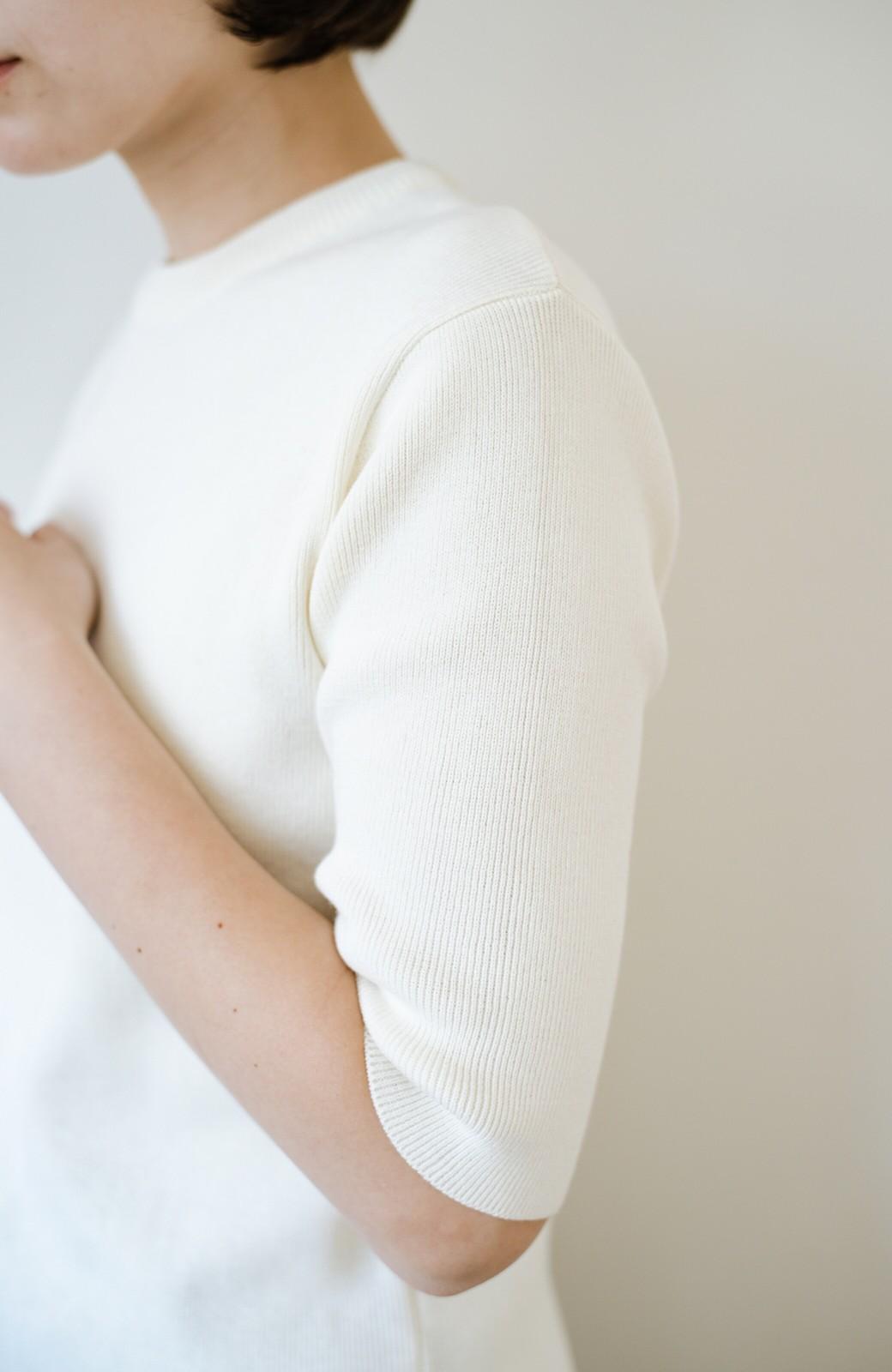 haco! haco! 大人がTシャツがわりに着るのにちょうどいい!洗濯機で気軽に洗えるニットトップス by que made me <オフホワイト>の商品写真6