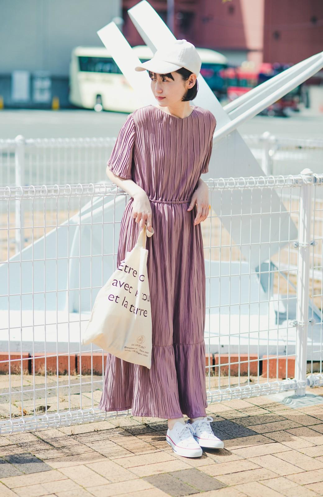 haco! やる気が出ない日もパッと着てかわいくなれる ランダムプリーツのティアードワンピース <スモークピンク>の商品写真11