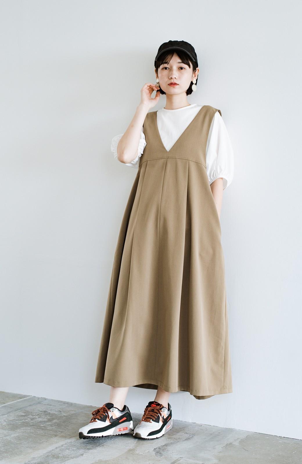 haco! 長め丈登場!Tシャツにもニットにもずーーーっと着られて便利なジャンパースカート <ベージュ>の商品写真2