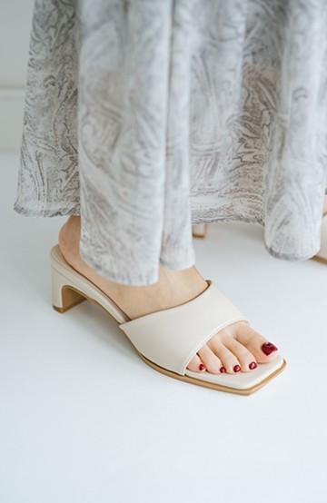 haco! コーデにひとさじの女っぽさを加えてくれる サッと履けてスラリと見えるヒールサンダル <アイボリー>の商品写真