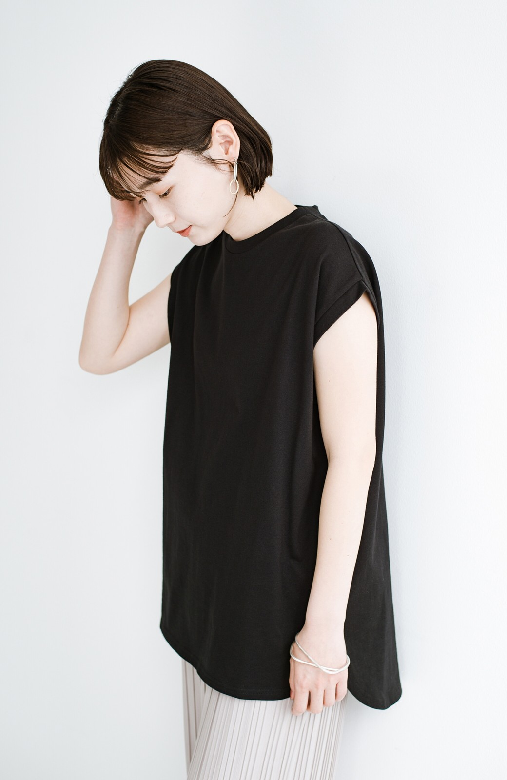 haco! 大人のTシャツこれならいける?!ちょい袖でかっこよく見せるTシャツ by que made me + PBP <ブラック>の商品写真15