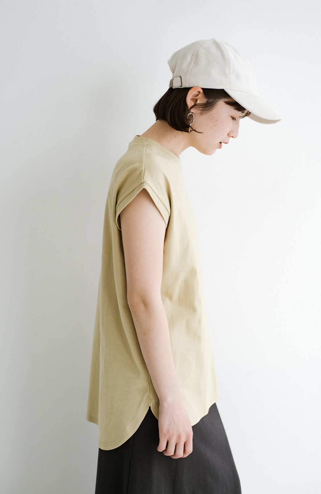 haco! 大人のTシャツこれならいける?!ちょい袖でかっこよく見せるTシャツ by que made me + PBP <ベージュ>の商品写真4