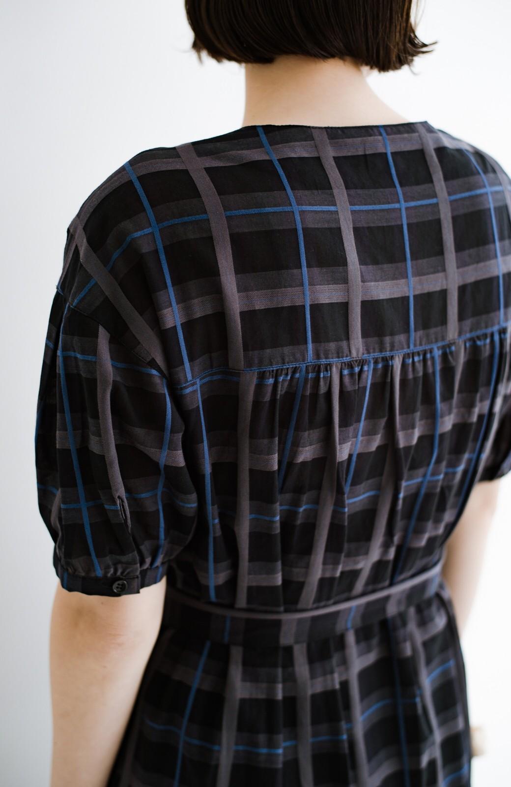 haco! 1枚でも羽織っても様になるベルト付きワンピースとインナーキャミワンピースセット <ブラック>の商品写真8