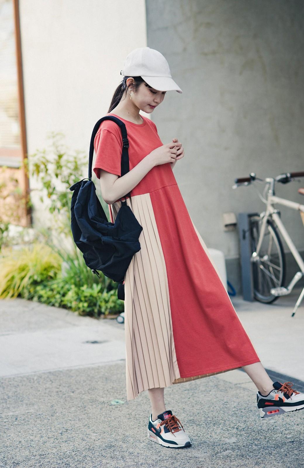haco! ぱっと着るだけでこなれたレイヤード風コーデが完成する サイドプリーツワンピース <テラコッタ>の商品写真8