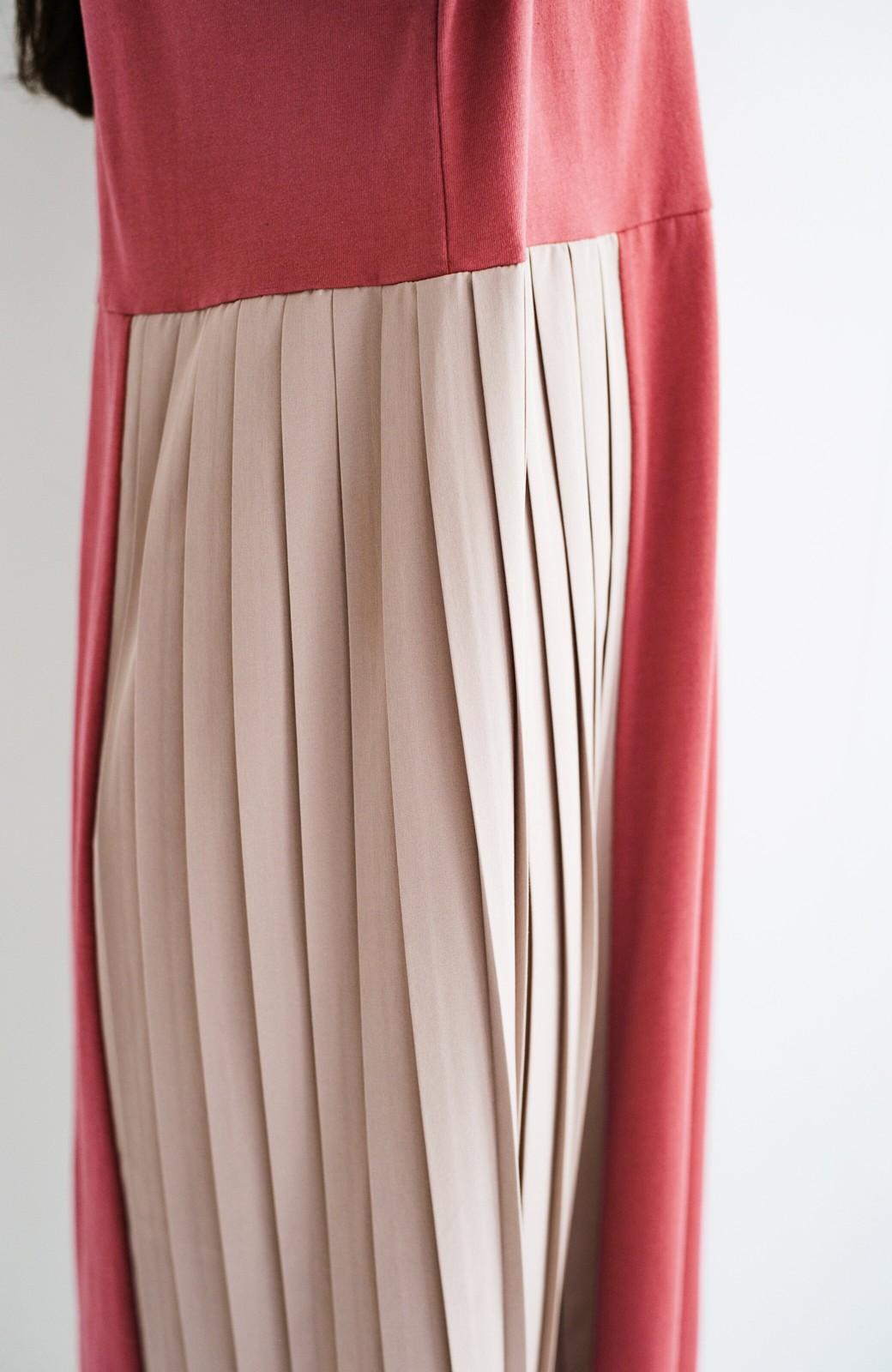 haco! ぱっと着るだけでこなれたレイヤード風コーデが完成する サイドプリーツワンピース <テラコッタ>の商品写真6