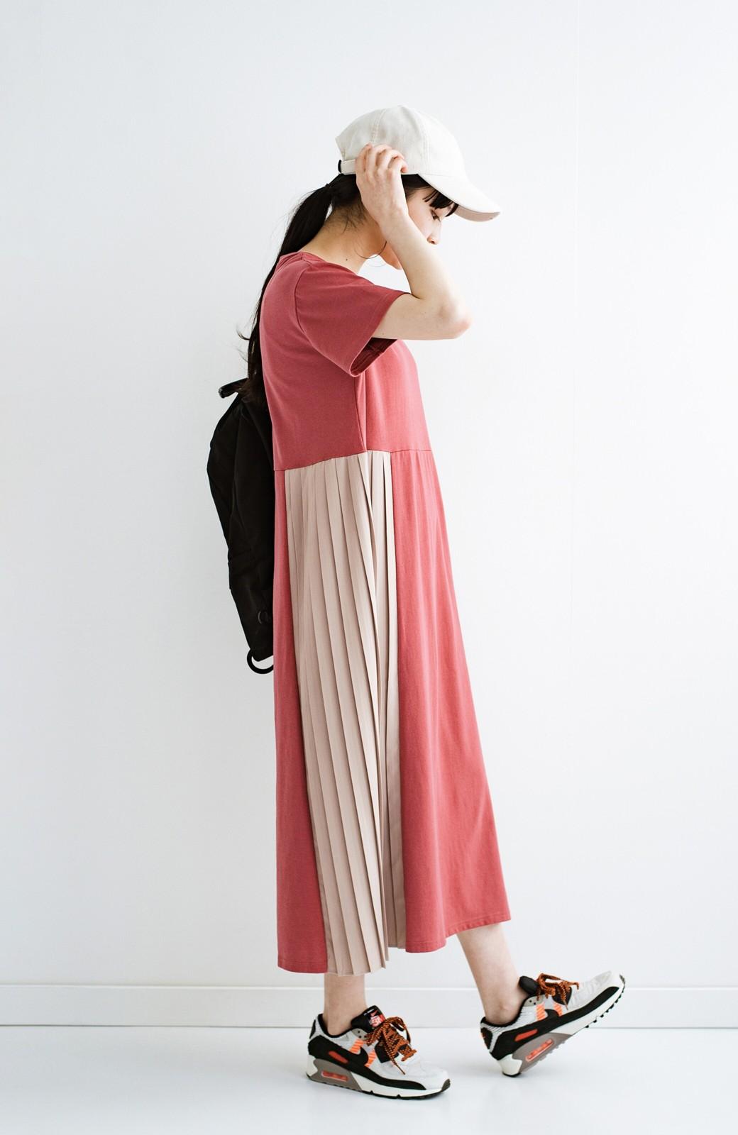 haco! ぱっと着るだけでこなれたレイヤード風コーデが完成する サイドプリーツワンピース <テラコッタ>の商品写真15