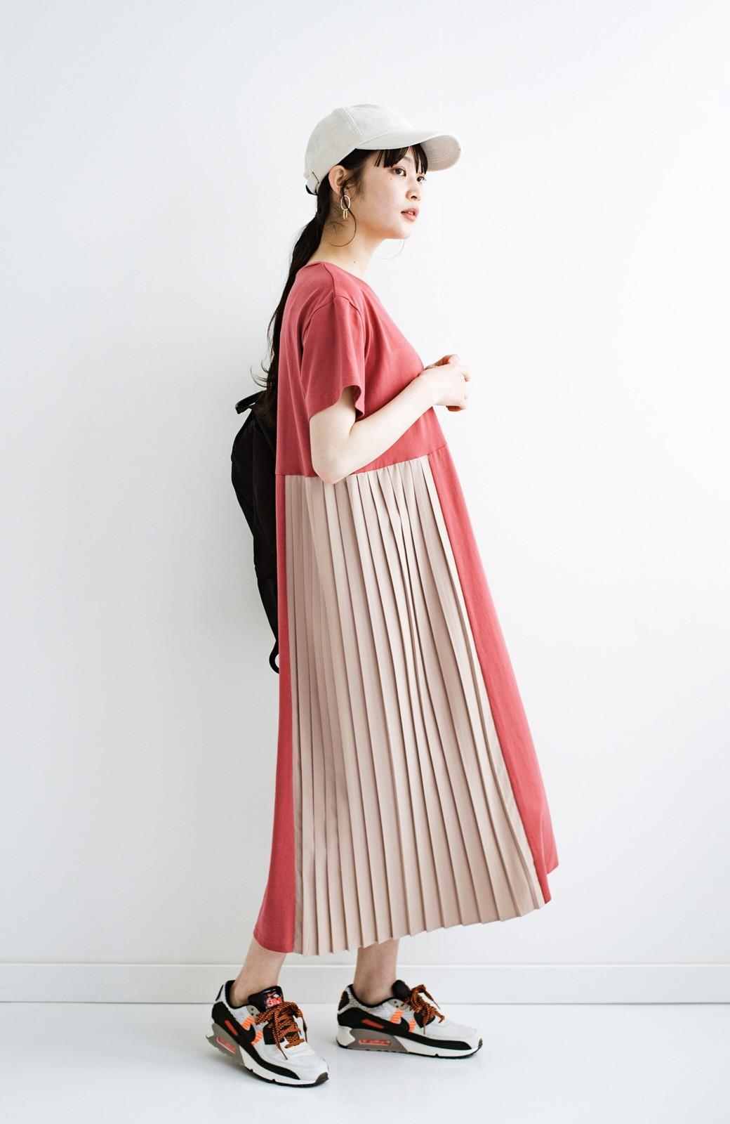 haco! ぱっと着るだけでこなれたレイヤード風コーデが完成する サイドプリーツワンピース <テラコッタ>の商品写真16