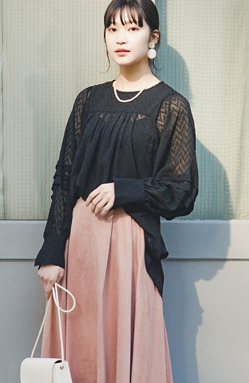 haco! 気になるところは可愛げで隠そう!ほどよい透け感で普段に着やすいドビードットの女っぽブラウス <ブラック>の商品写真