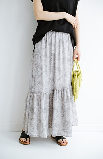 haco! シンプルトップスを合わせるだけでパッと着映える ななめ切り替えが華やかな大人っぽ柄スカート<グレー系その他>の商品写真
