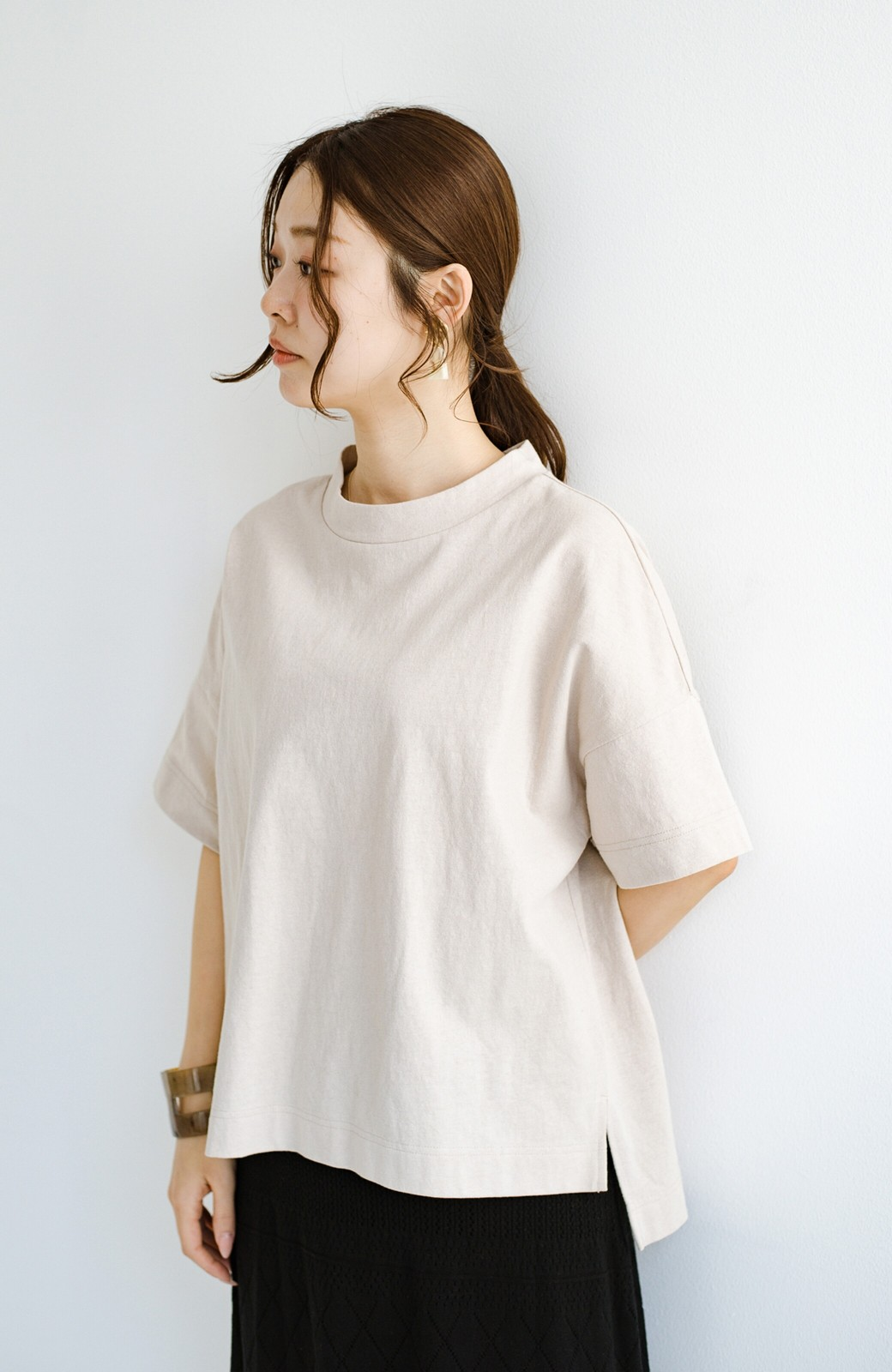 haco! じゃぶじゃぶ洗えて毎日づかいに便利!コーデに迷わず便利なモックネックTシャツ <ベージュ>の商品写真14