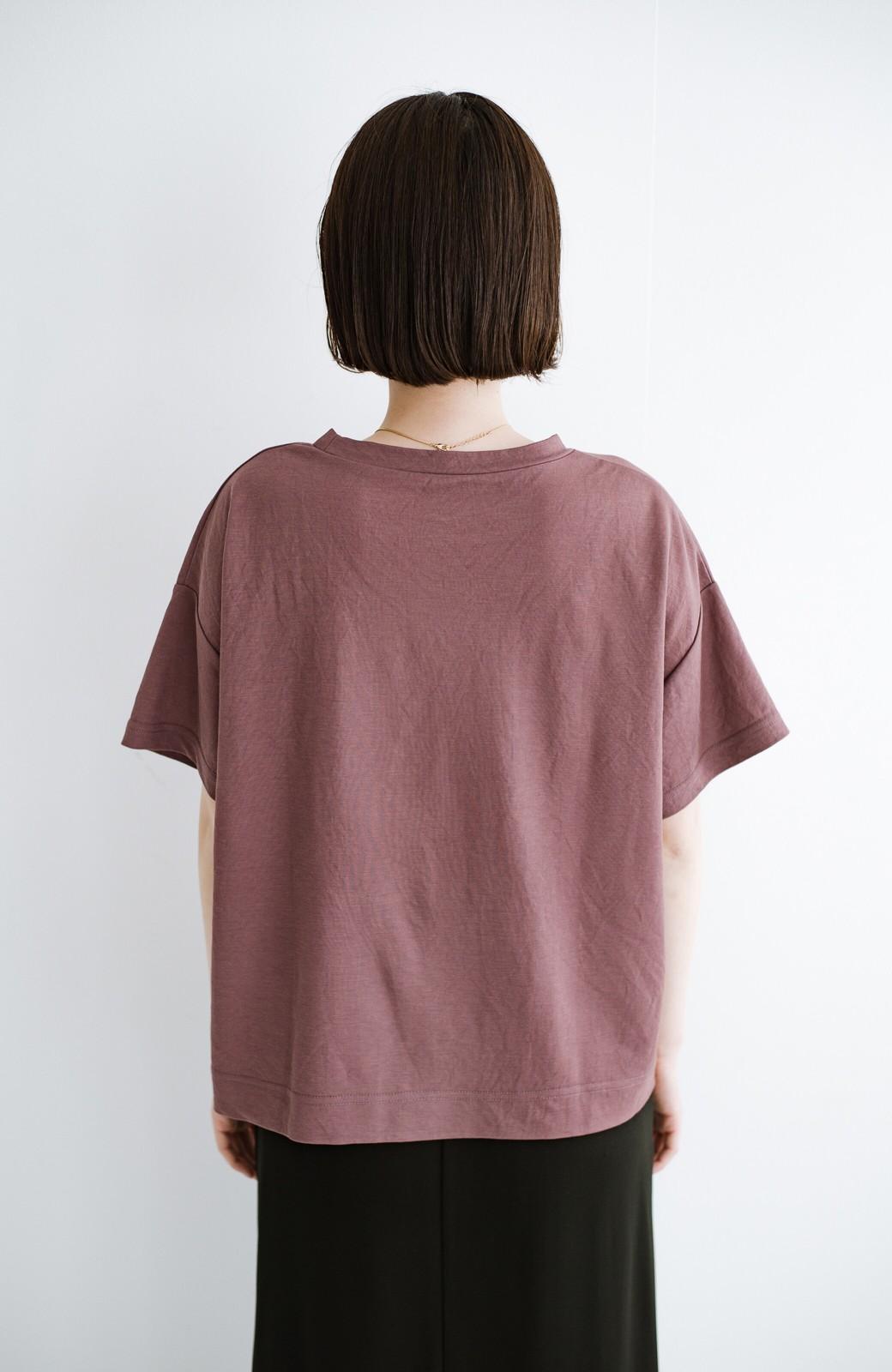 haco! カジュアル&きれいめバランスがちょうどいい!さらりと心地いい大人Tシャツ <スモークピンク>の商品写真10