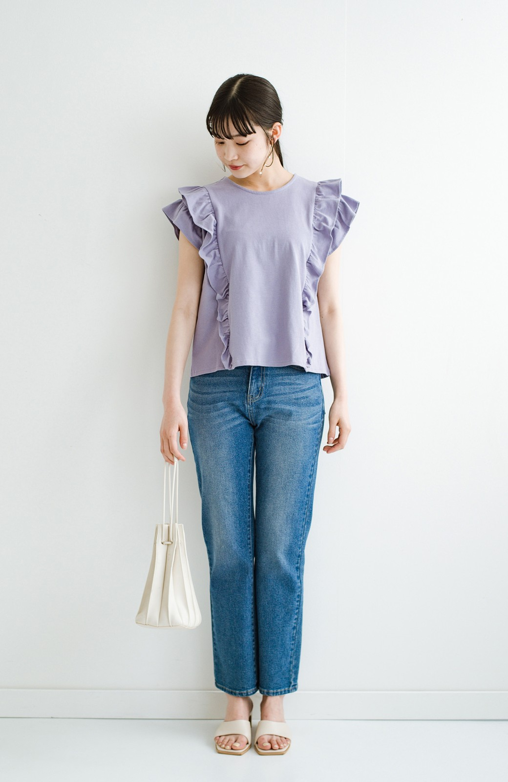 haco! (φ)顔周りぱっと華やか!Tシャツ感覚で着られて便利なフリルカットソートップス <ラベンダー>の商品写真14