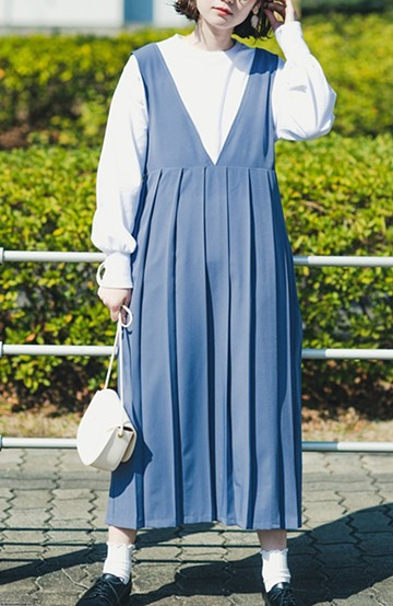 haco! 楽ちんなのにきちんと見える 裏地付きで長ーーーい季節楽しめる大人っぽプリーツジャンパースカート <グレイッシュブルー>の商品写真
