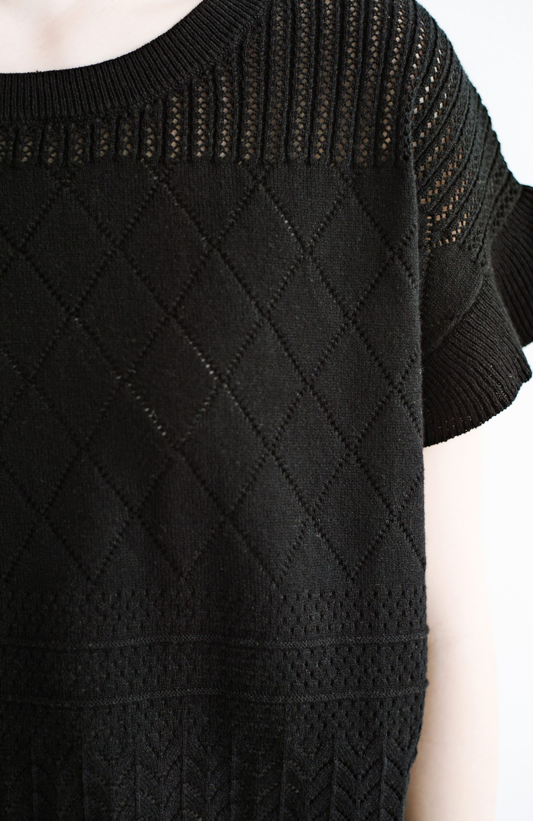 haco! (φ)透けすぎないから安心して着られる 華やか透かし編みニットトップス <ブラック>の商品写真23