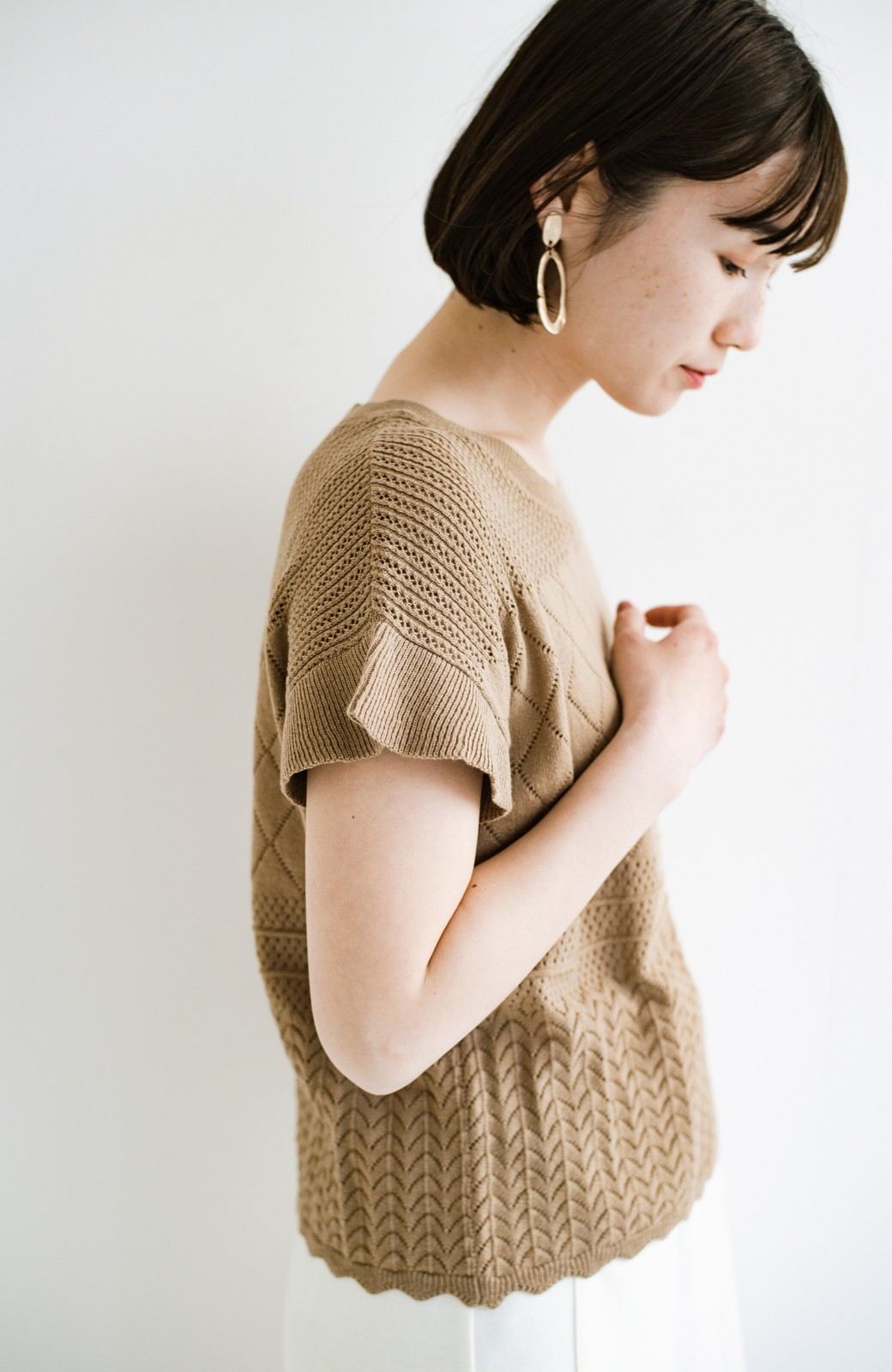 haco! (φ)透けすぎないから安心して着られる 華やか透かし編みニットトップス <カーキブラウン>の商品写真9