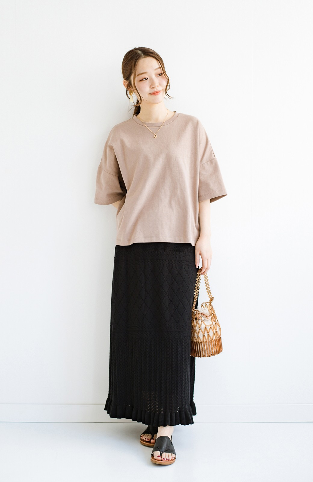 haco! (φ)Tシャツにもスウェットにも!裏地付きで長く着られる透かし編みニットスカート <ブラック>の商品写真18