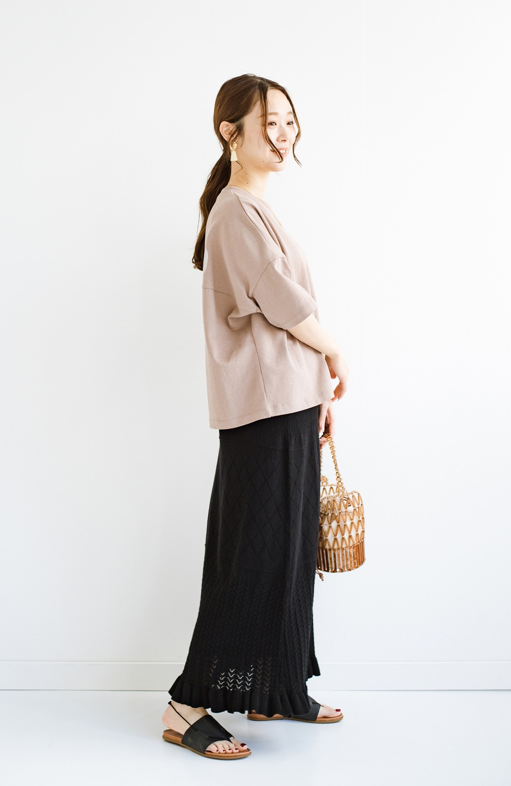 haco! (φ)Tシャツにもスウェットにも!裏地付きで長く着られる透かし編みニットスカート <ブラック>の商品写真19