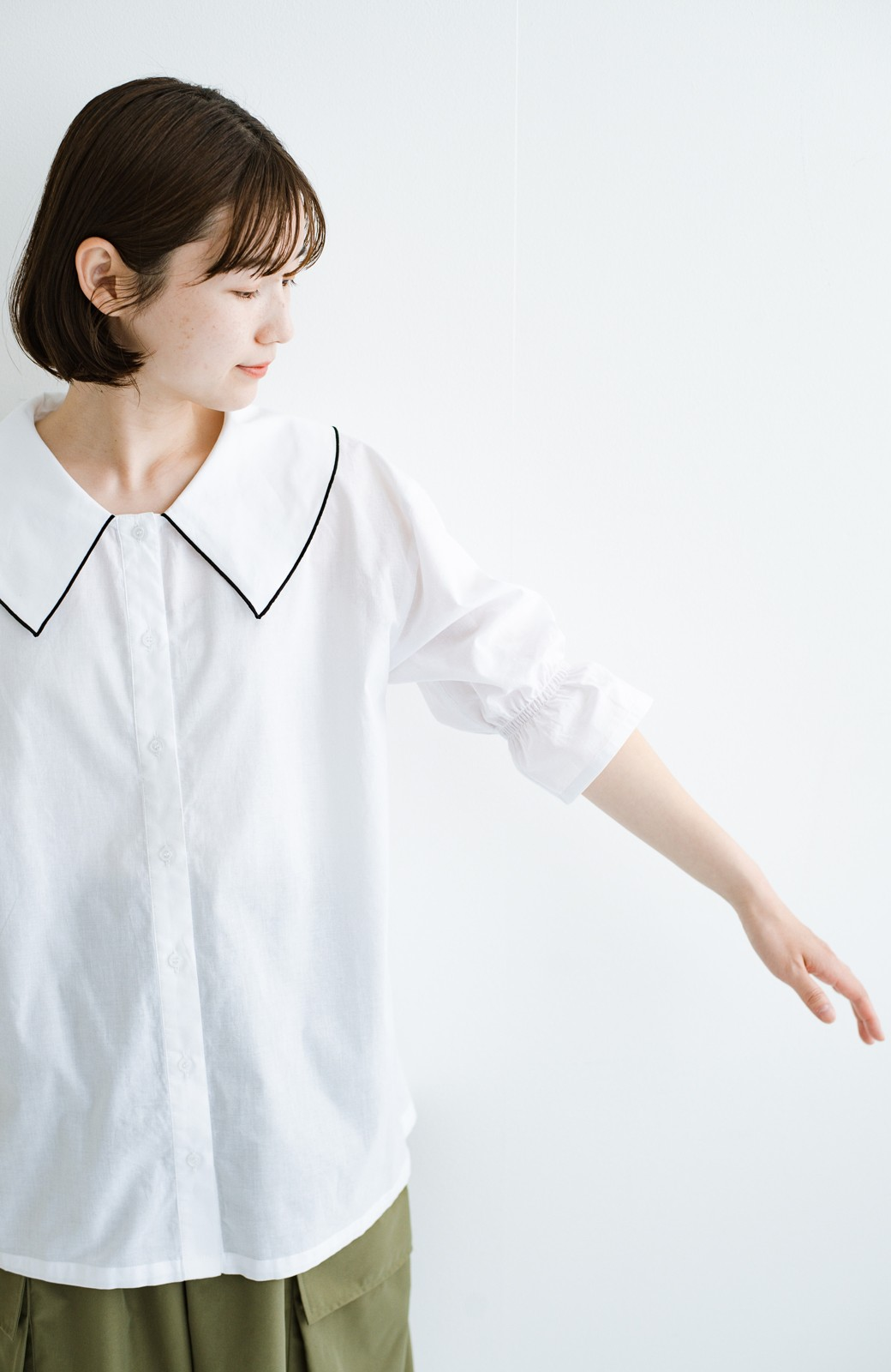 haco! (φ)甘さ控えめで照れずに着られる 今っぽおしゃれなビッグカラーブラウス <ホワイト>の商品写真11