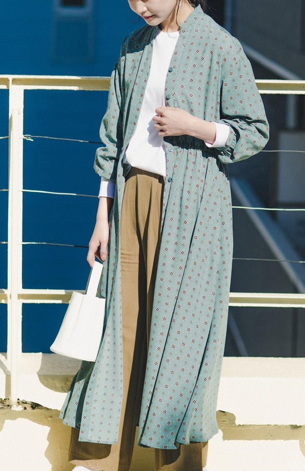 haco! コーデが華やいで気分も上がる 羽織りとしても便利な大人の雰囲気漂う小紋柄風ワンピース <ブルー>の商品写真20