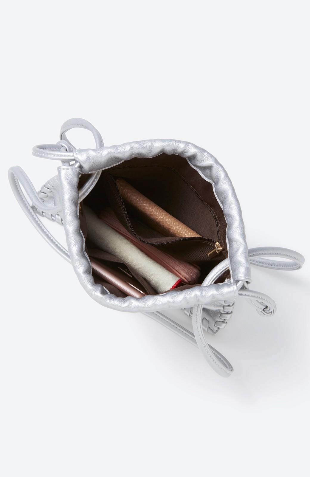 haco! スマホもお財布もちゃんと入ってコーデのポイントになる 2WAYミニポシェット <シルバー>の商品写真18