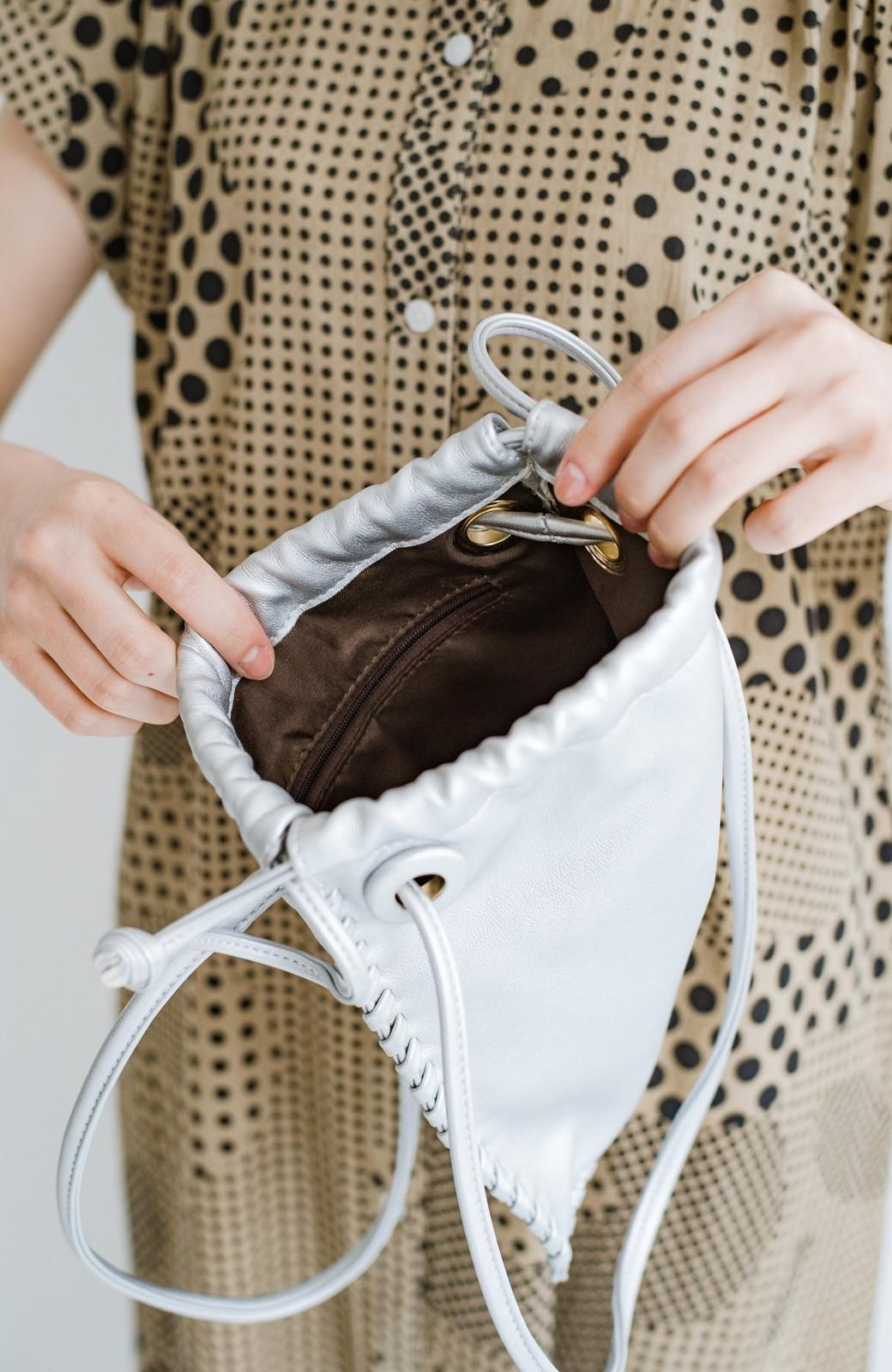 haco! スマホもお財布もちゃんと入ってコーデのポイントになる 2WAYミニポシェット <シルバー>の商品写真7
