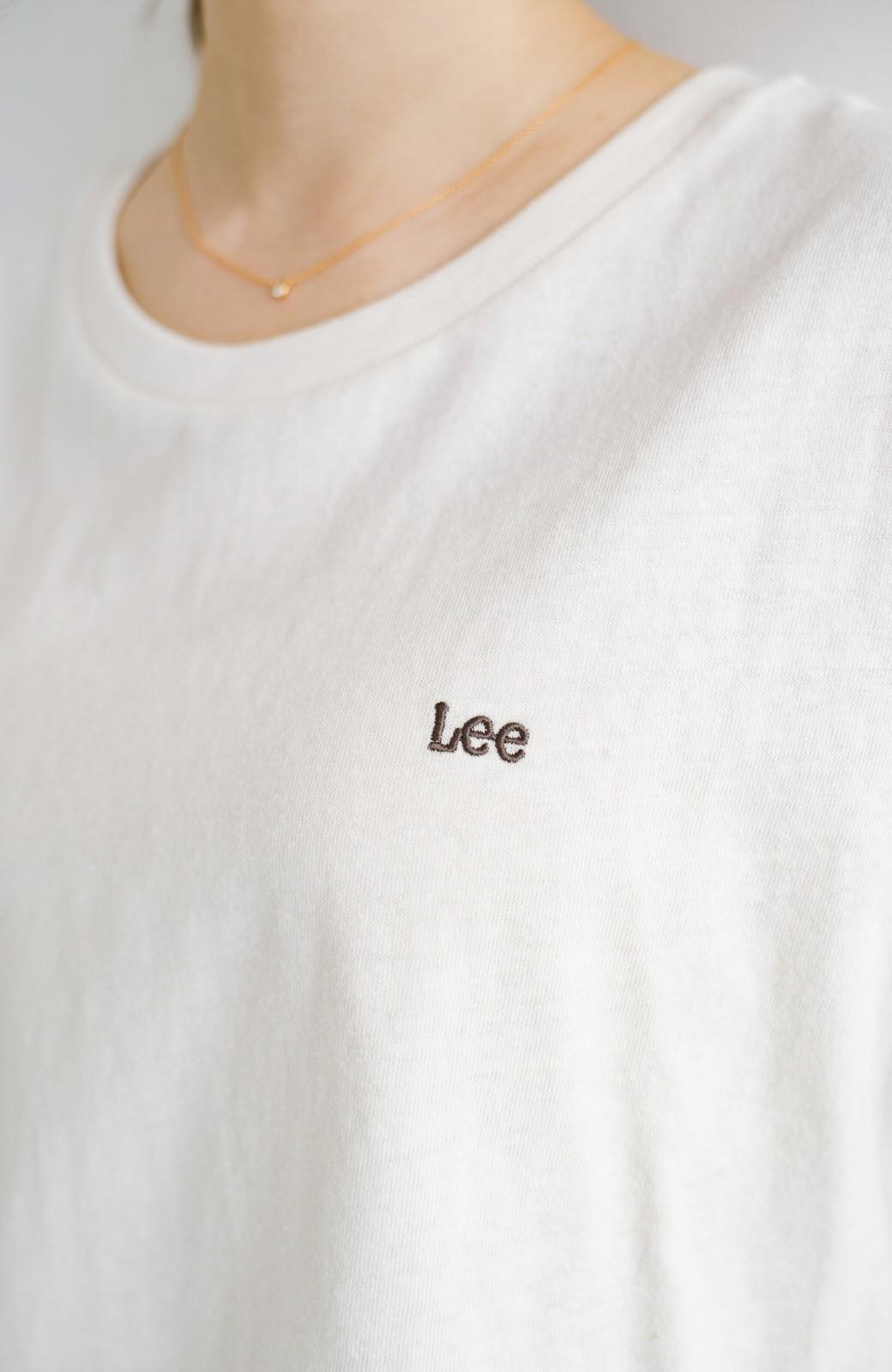 haco! LadyLee 古着のような風合いがかっこいい デニムにもスカートにも似合うロゴプリントTシャツ <アイボリー>の商品写真5