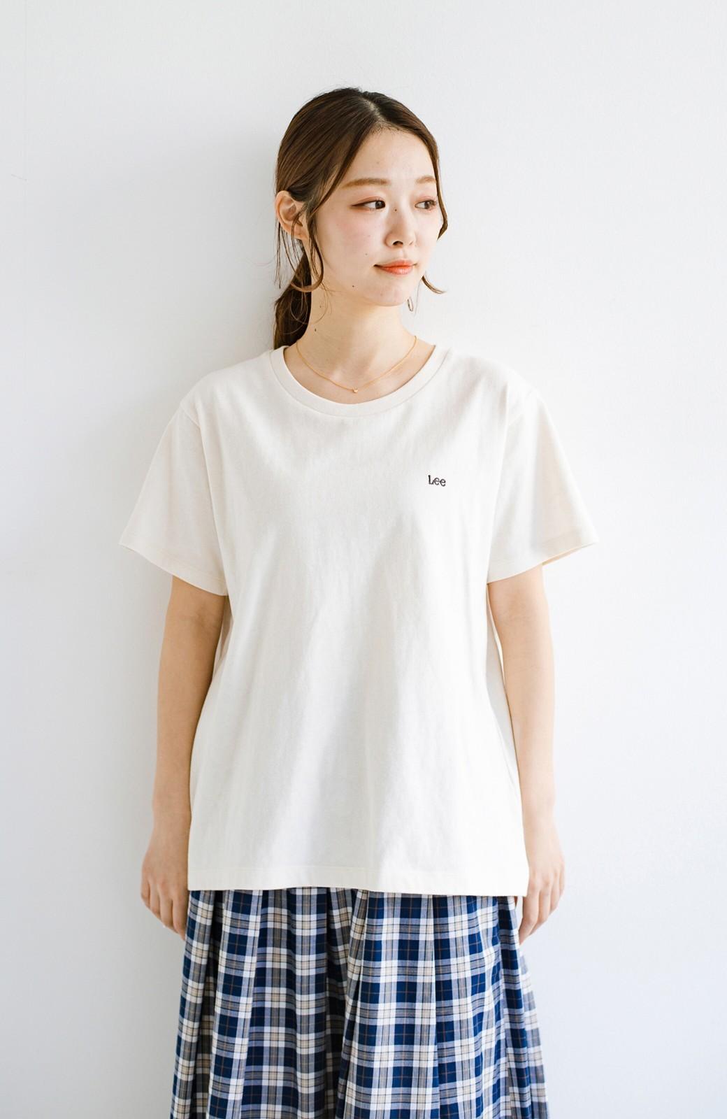 haco! LadyLee 古着のような風合いがかっこいい デニムにもスカートにも似合うロゴプリントTシャツ <アイボリー>の商品写真3