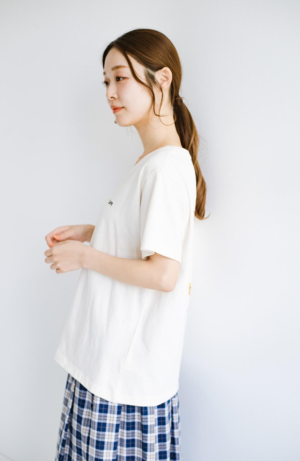 haco! LadyLee 古着のような風合いがかっこいい デニムにもスカートにも似合うロゴプリントTシャツ <アイボリー>の商品写真11