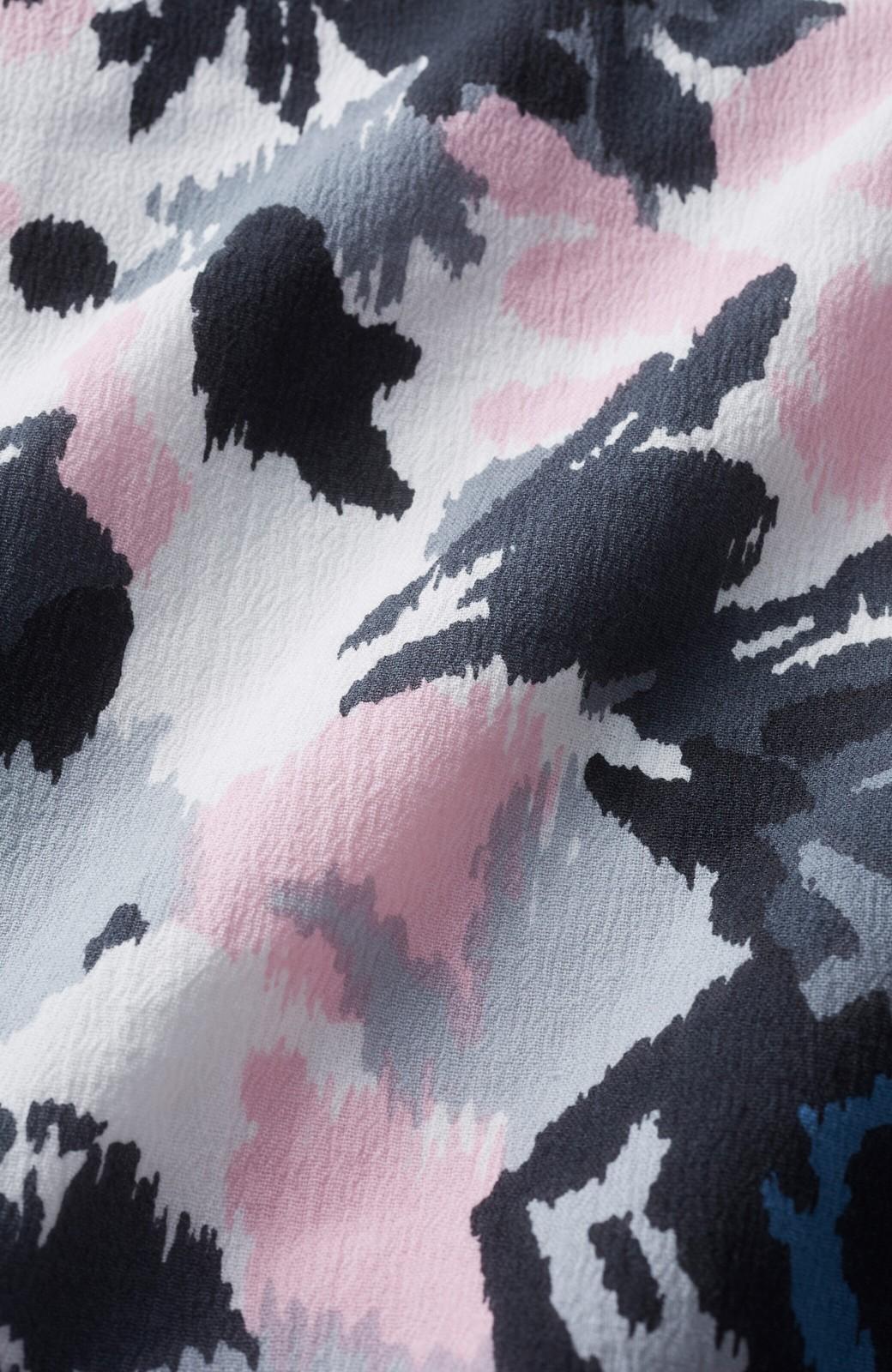 haco! 京都の浴衣屋さんと作った浴衣生地のフレアースリーブブラウス <グレー系その他>の商品写真3