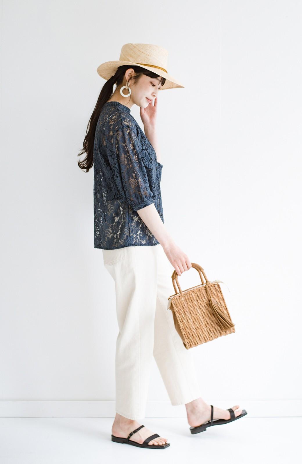 haco! (φ)デニムに合わせても女っぽい 古着屋さんにありそうな可愛げレースのスタンドカラーブラウス <グレイッシュブルー>の商品写真20