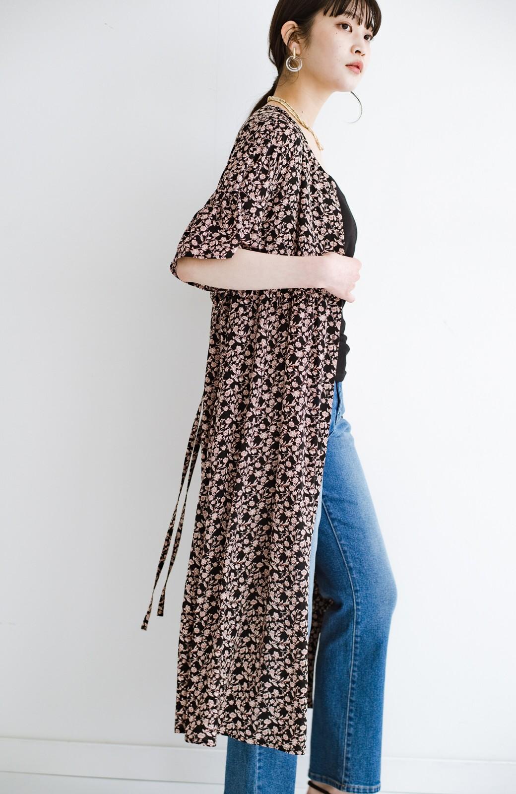 haco! さっと着てコーデが華やぐ 重ね着しても羽織ってもかわいいフレアー袖にキュンとする花柄ワンピース <ブラック系その他>の商品写真21