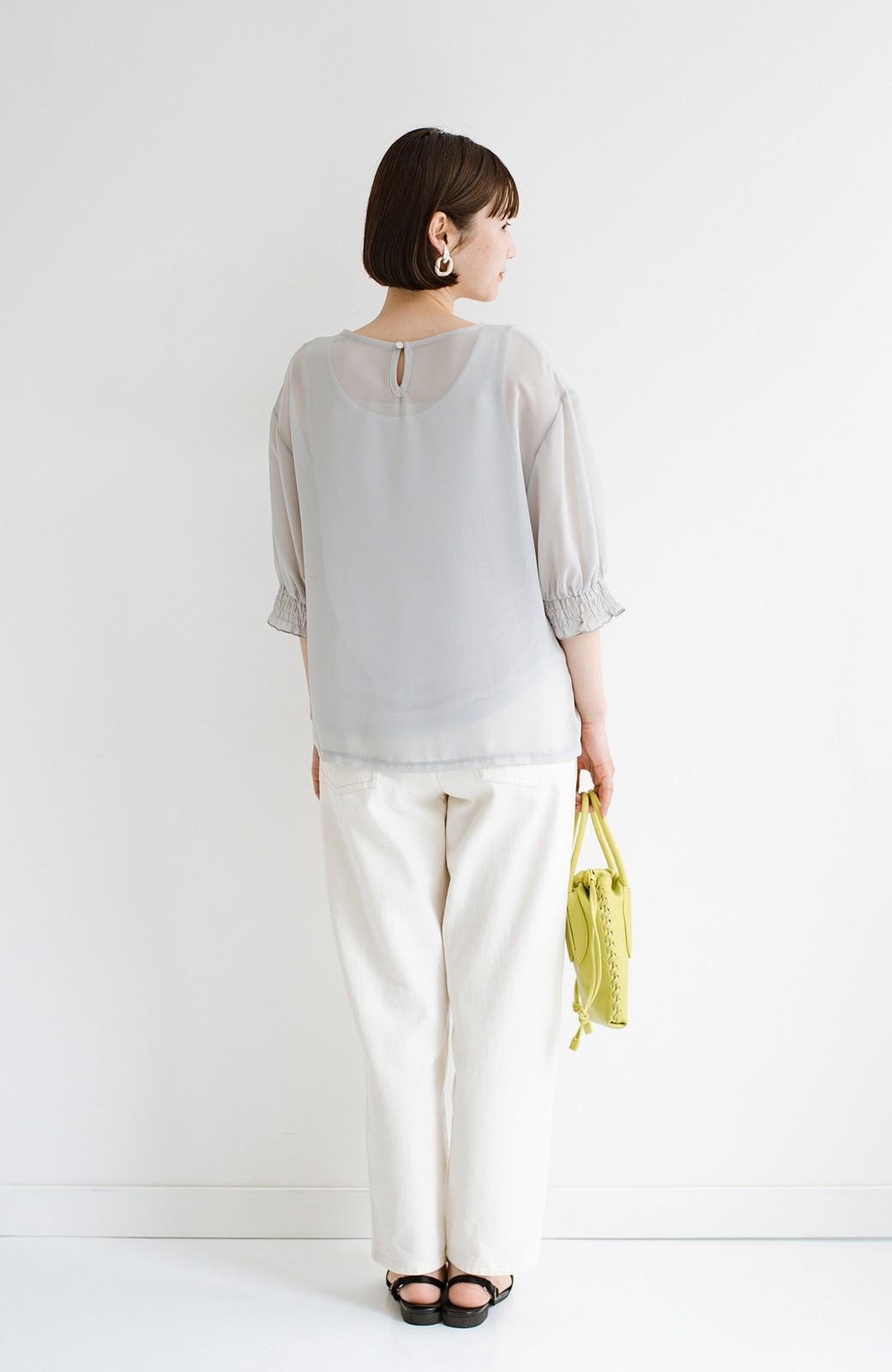 haco! 上品な透け感が華やぎをプラスしてくれるシフォントップス&ノースリーブカットソーセット <ライトグレー>の商品写真14