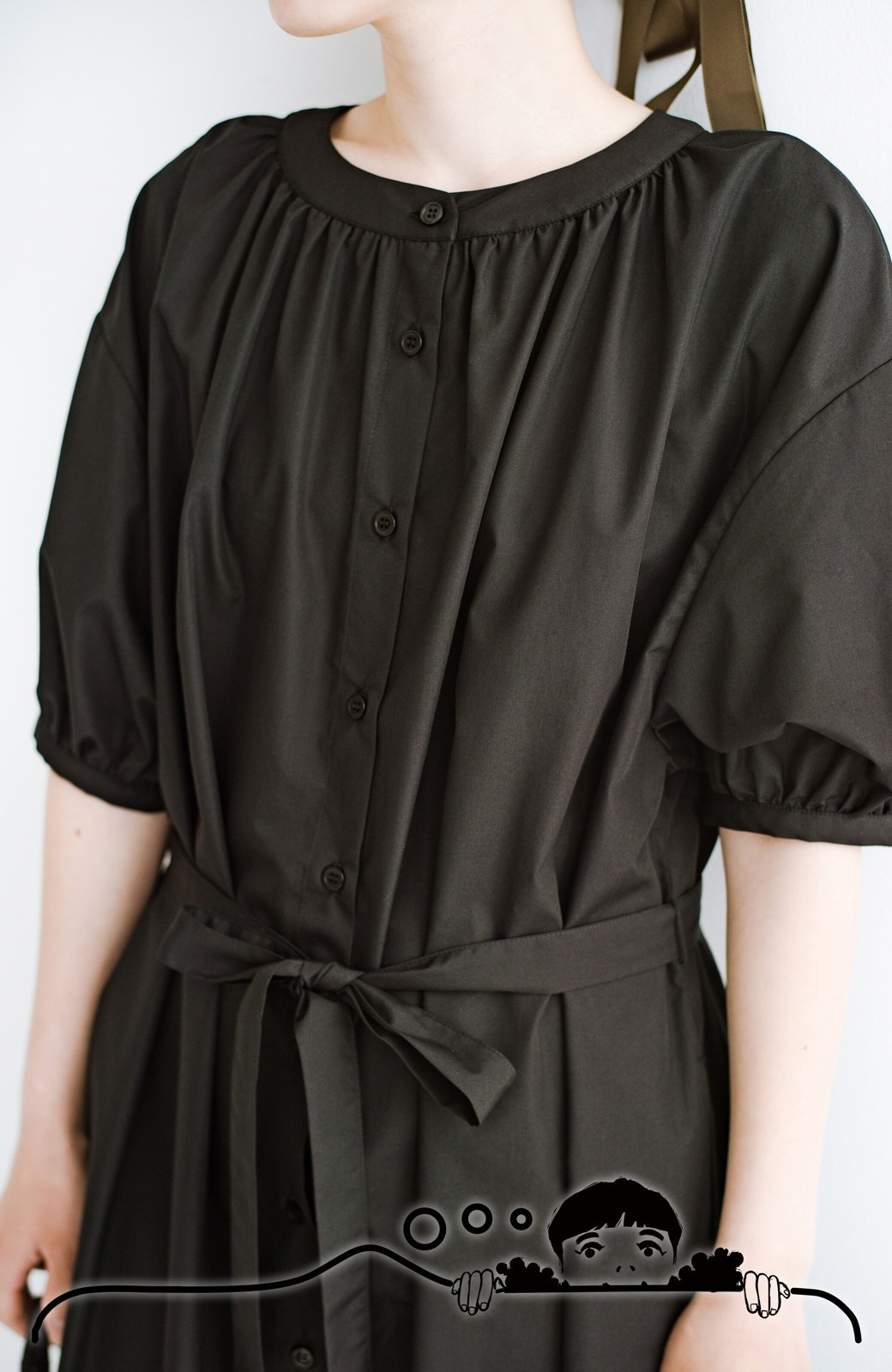 haco! 前後で着られて羽織りとしても便利! いつものパンツに重ねて着まわし上手になれるシャツワンピースby who made me <ブラック>の商品写真2