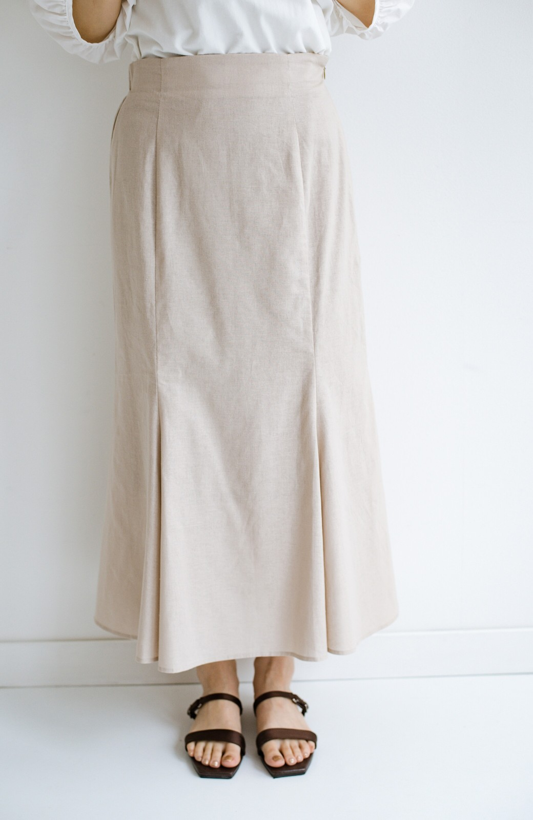 haco! Tシャツと合わせるだけでコーデが決まる!楽して女っぽが叶う麻混マーメイドスカート by que made me <ベージュ>の商品写真2