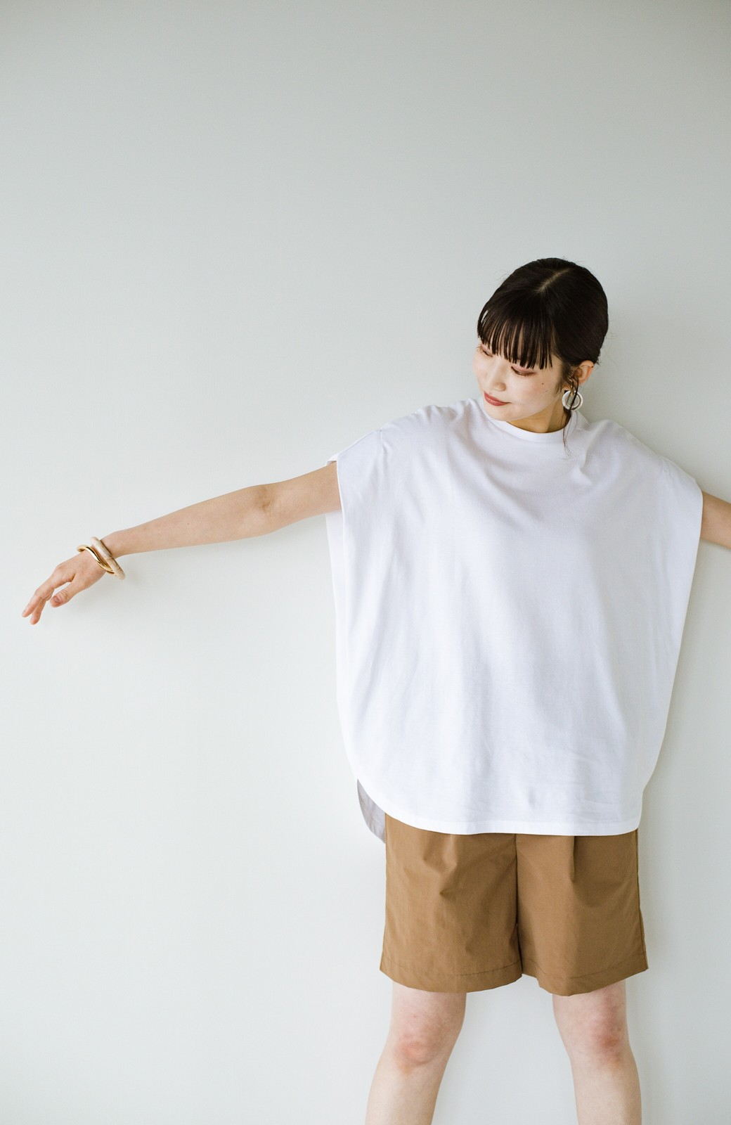 haco! PBPオーガニックコットン 楽ちんなのにブラウス気分で着られる大人のおめかしTシャツ <ホワイト>の商品写真22