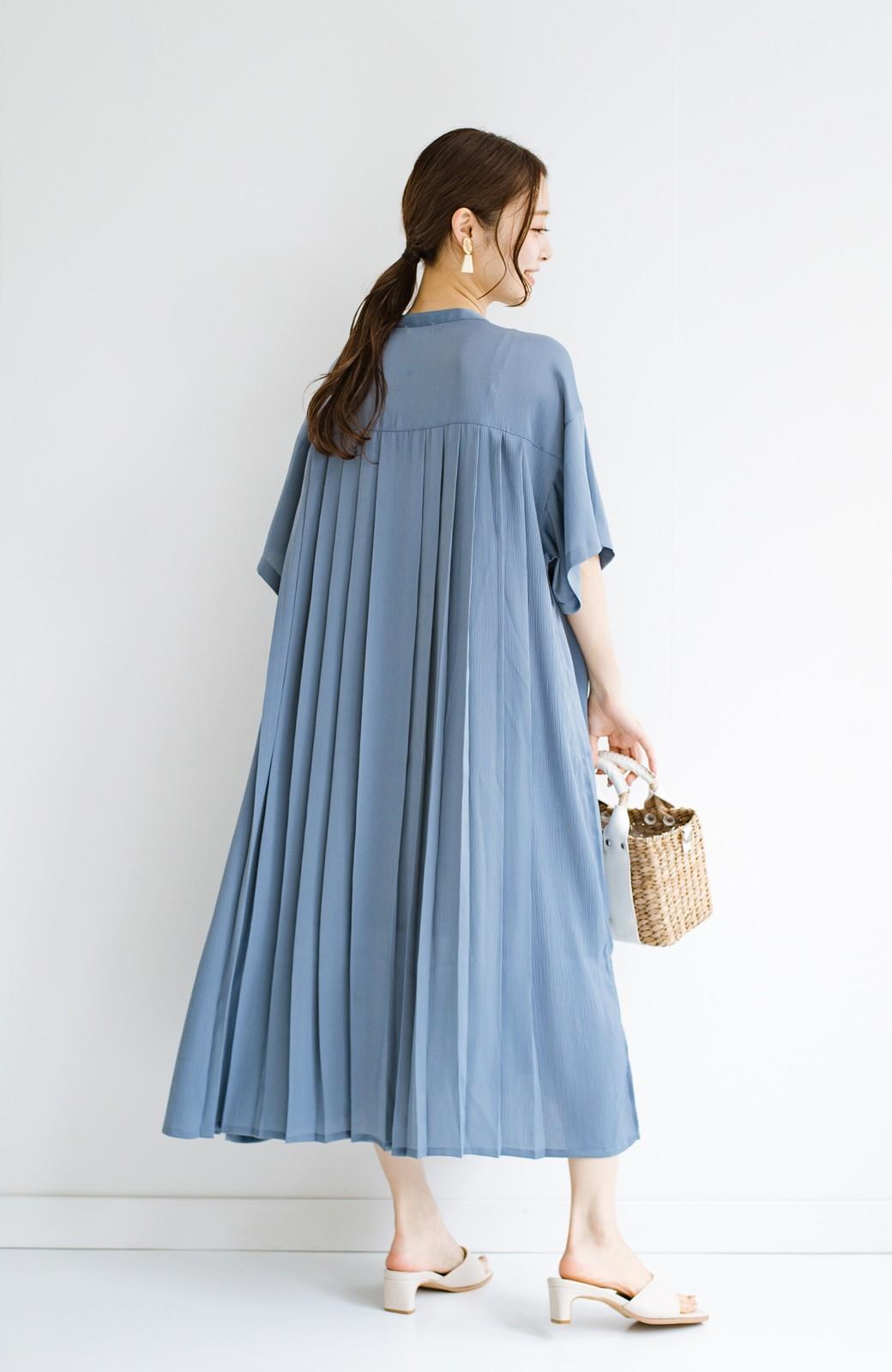 haco! 羽織としてもワンピースとしても着られちゃう 後ろ姿まで抜かりなくかわいいプリーツワンピース <ブルー>の商品写真14