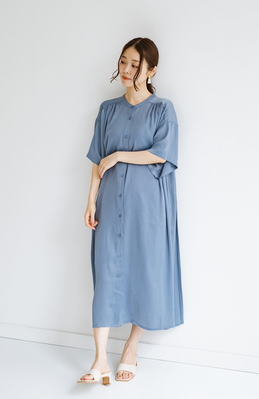 haco! 羽織としてもワンピースとしても着られちゃう 後ろ姿まで抜かりなくかわいいプリーツワンピース <ブルー>の商品写真8