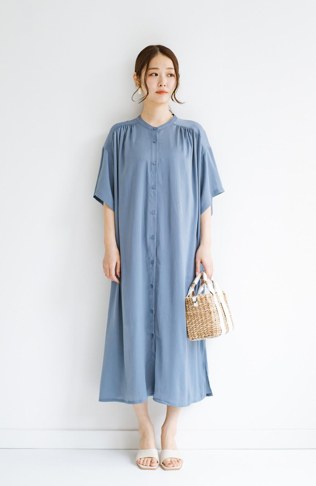 haco! 羽織としてもワンピースとしても着られちゃう 後ろ姿まで抜かりなくかわいいプリーツワンピース <ブルー>の商品写真15