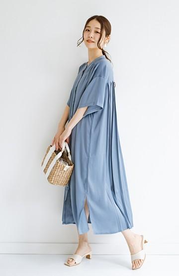 haco! 羽織としてもワンピースとしても着られちゃう 後ろ姿まで抜かりなくかわいいプリーツワンピース <ブルー>の商品写真