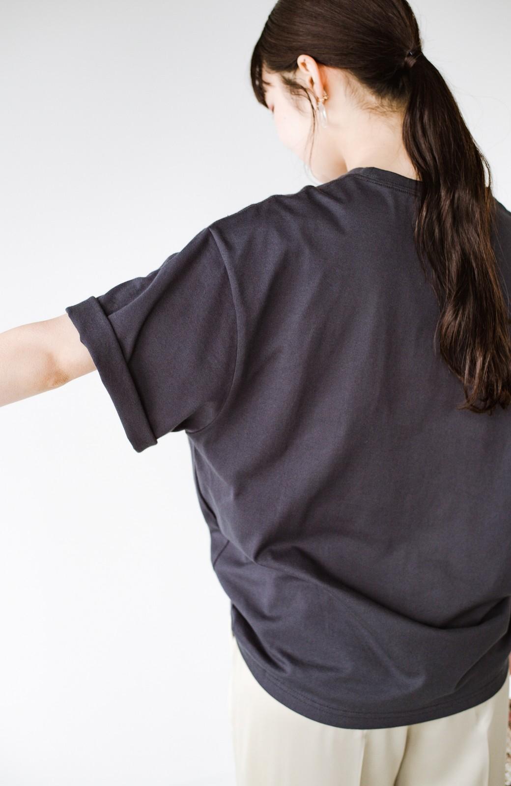 haco! あるかないかで大違い!大人の抜け感を醸し出すさりげなロゴTシャツ by who made me + PBP <チャコールグレー>の商品写真16