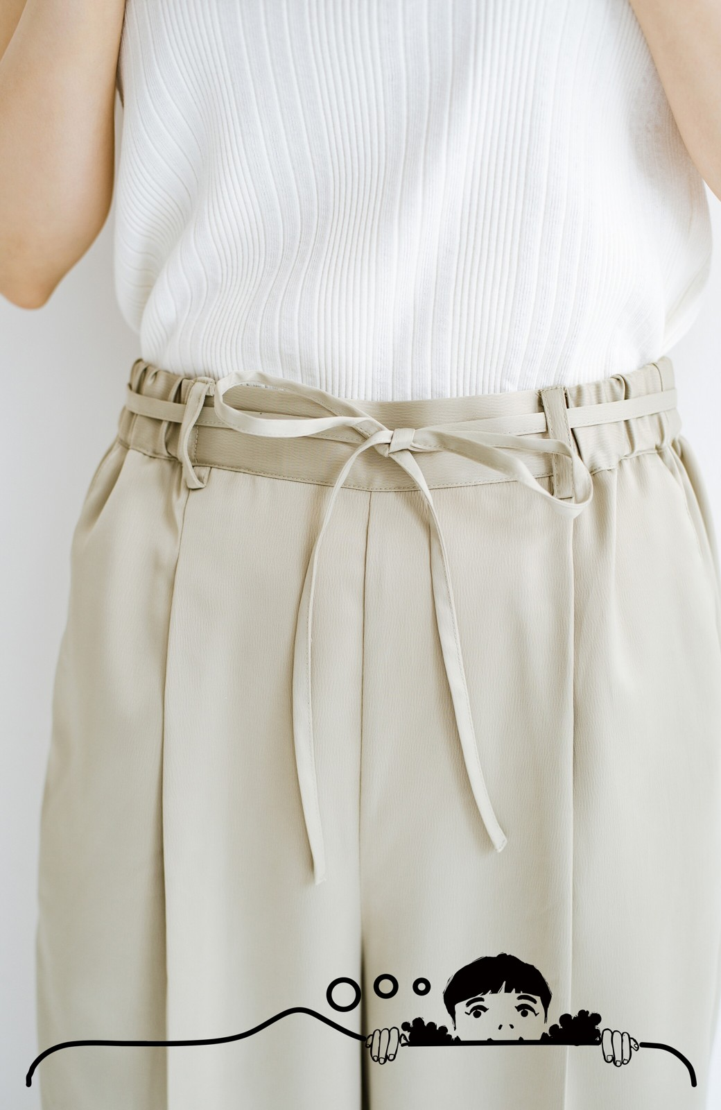 haco! シンプルTシャツに合わせるだけでこなれて見える ほどよく女っぽいツヤやかサテンのセンタープレスパンツby who made me <ライトオリーブ>の商品写真5