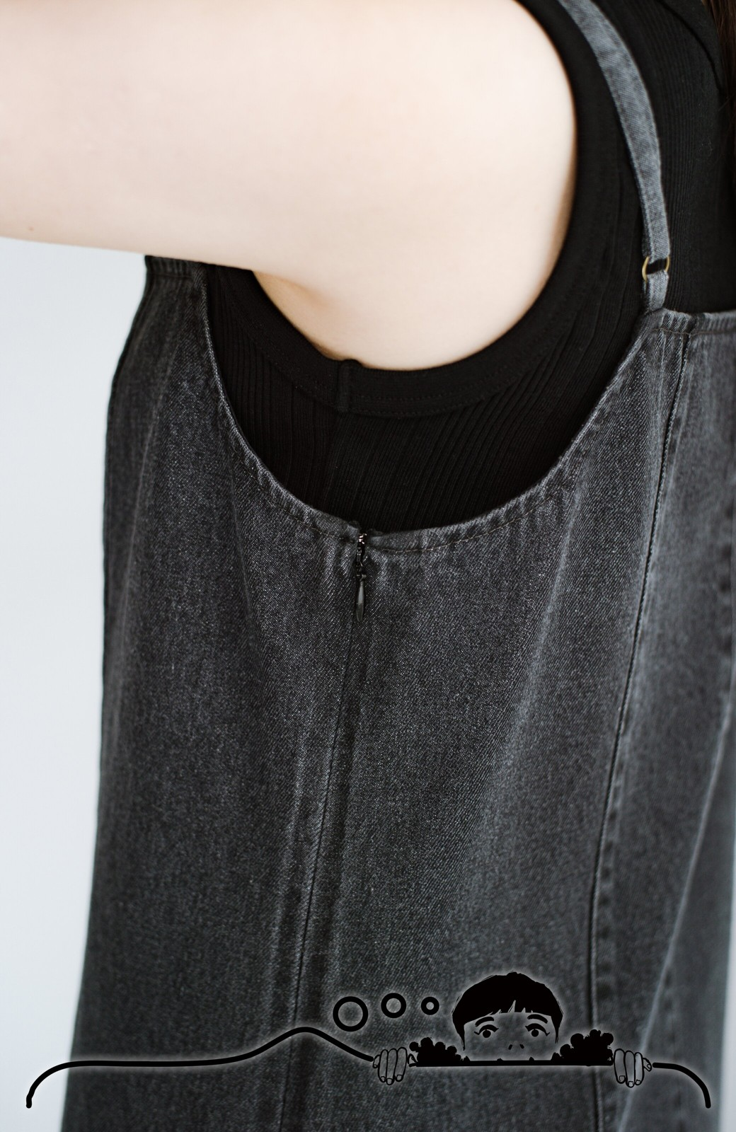 haco! コーデに迷った朝にシンプルTシャツと一緒に着るだけでかわいくなれる ラインがきれいなデニムキャミワンピースby who made me <ブラック>の商品写真9
