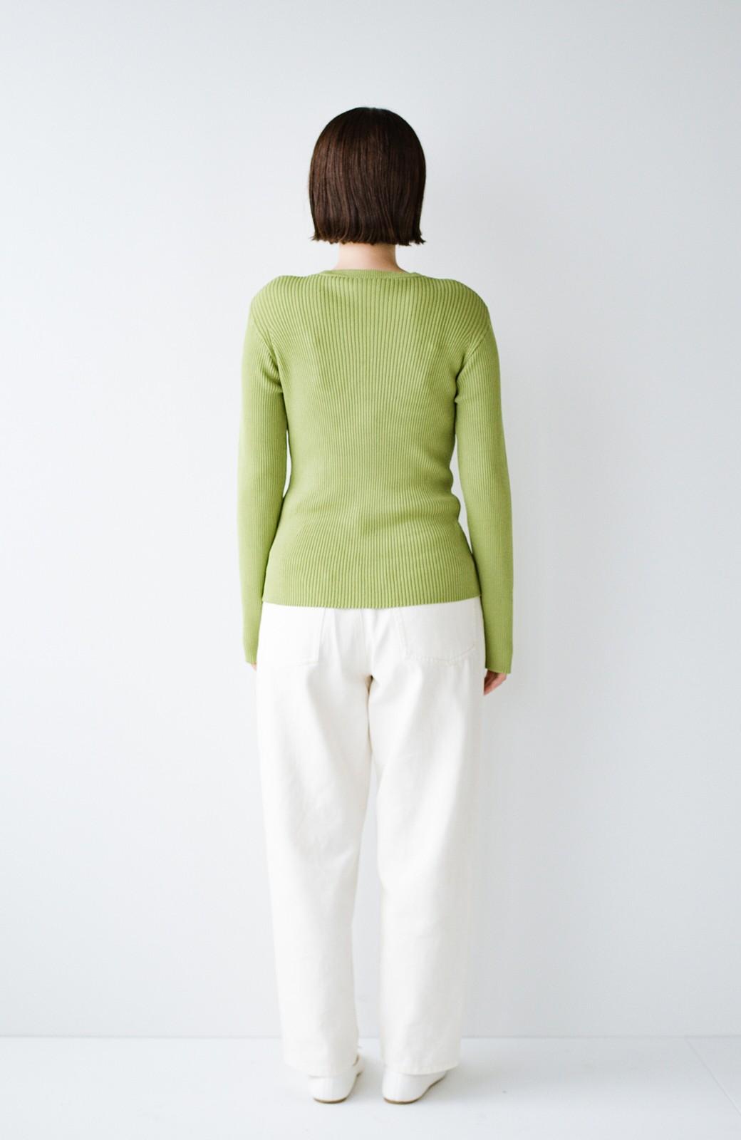haco! UVカット&肩にかけるだけでもコーデが華やぐ 持っていると便利なきれい色カーディガン by que made me <グリーン>の商品写真10