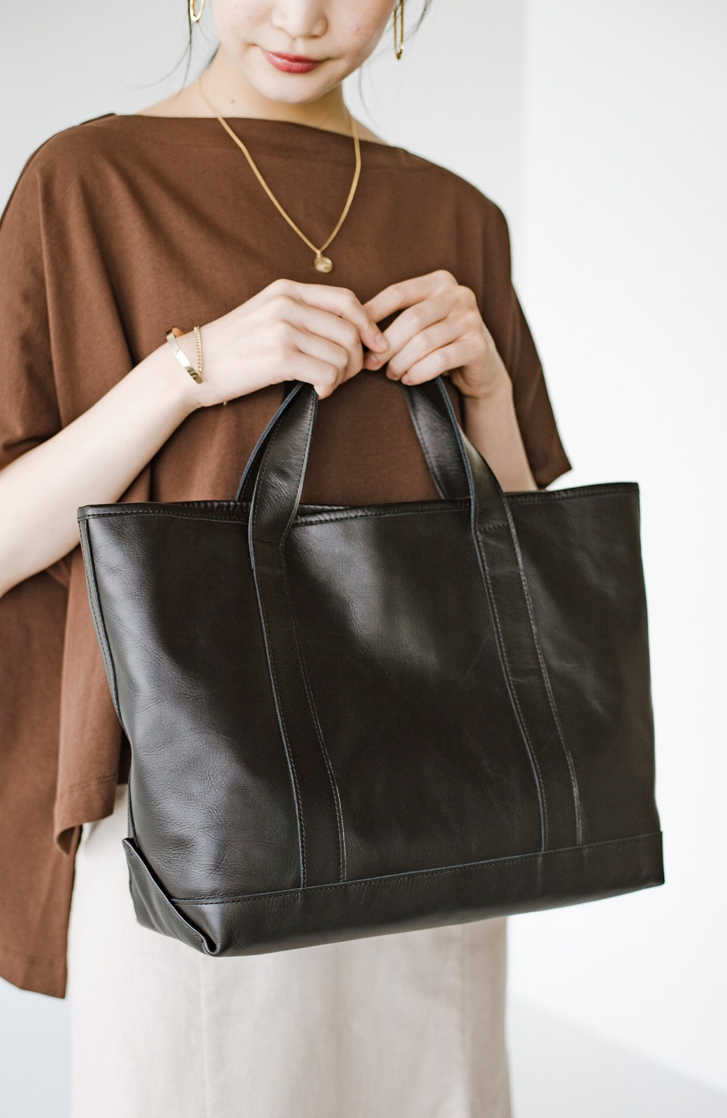 haco! made in JAPAN の本革トートバッグ by que made me <ブラック>の商品写真1