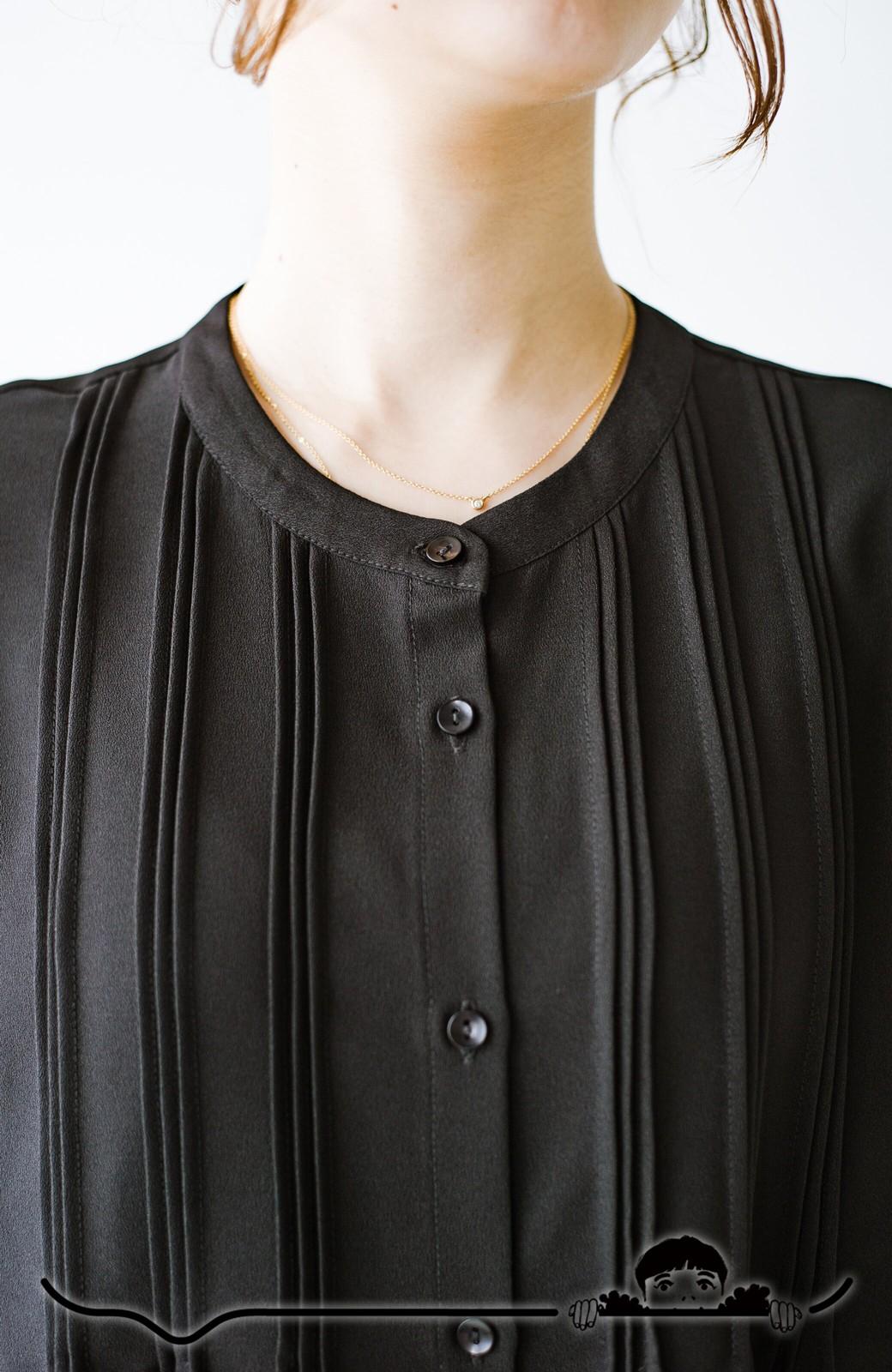 haco! Tシャツの代わりにこれを着といたら女っぽく上品になれる!ほんのり透け感が今っぽいピンタックブラウスby who made me <ブラック>の商品写真2