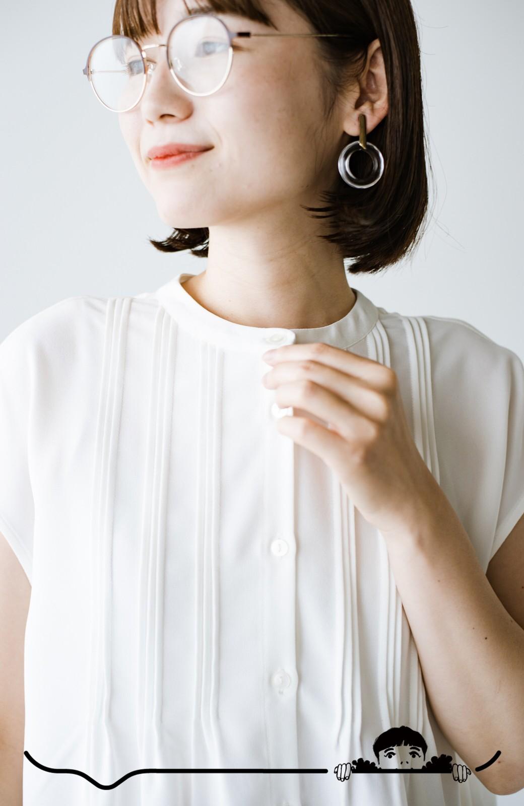 haco! Tシャツの代わりにこれを着といたら女っぽく上品になれる!ほんのり透け感が今っぽいピンタックブラウスby who made me <オフホワイト>の商品写真5