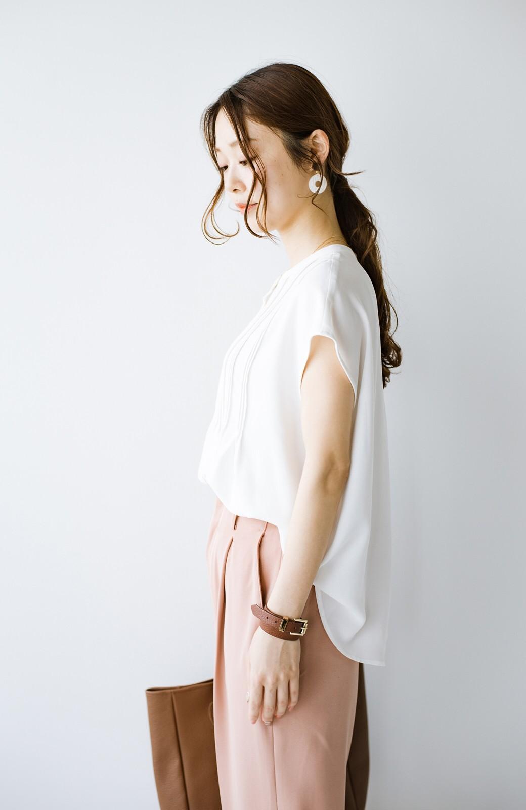 haco! Tシャツの代わりにこれを着といたら女っぽく上品になれる!ほんのり透け感が今っぽいピンタックブラウスby who made me <オフホワイト>の商品写真18